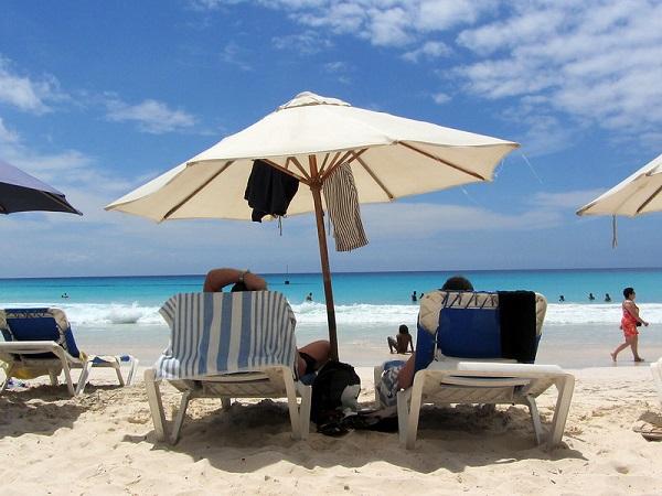 Barbados Accra Beach Hive Of Activity